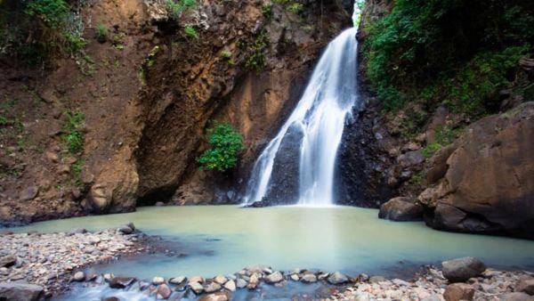 Air terjung Singsing (foto: wisatabali)