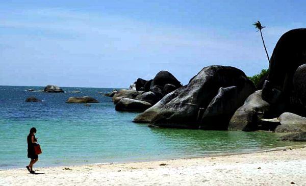 Pantai Tanjung Tinggi, Belitung Timur (Foto: Winda/Okezone)