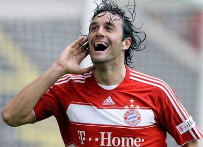 Luca Toni saat membela Bayern Munich. (Foto: Reuters)