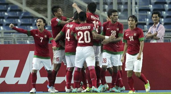 Selebrasi pemain Indonesia merayakan gol indah Andik Vermansyah ke gawang Singapura (Foto: Reuters)