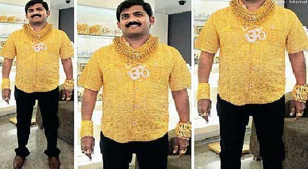 Foto : Kemeja emas pengusaha India (Asiaone)