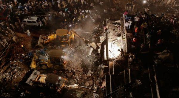 Lokasi runtuhnya bangunan (Foto: Reuters)