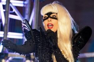 Diet, Lady Gaga Ketahuan Makan Pizza di Toilet