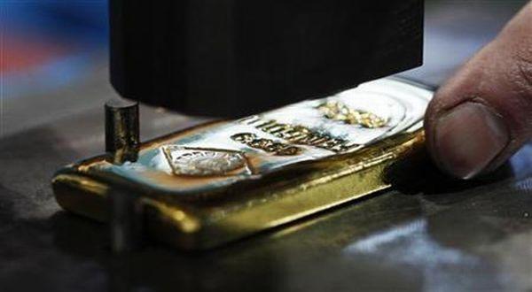 Harga Emas Antam Turun Rp3.000/gram (Ilustrasi: Reuters)
