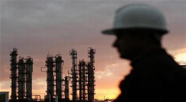 Stok turun, harga minyak kembali naik (Ilustrasi: Reuters)