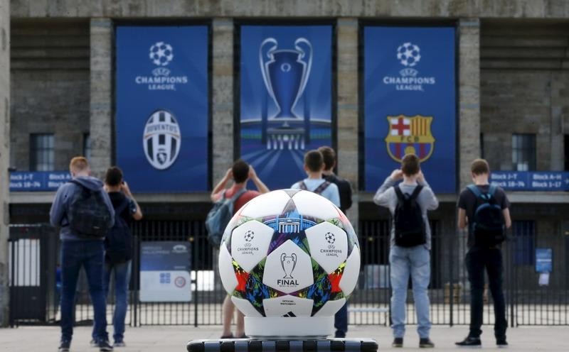 Juventus butuh keajaiban untuk menghentikan permainan Barcelona (Foto: Fabrizio Bensch/Reuters)