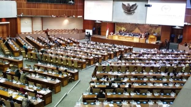 Rapat Paripurna DPR Setujui Penggunaan Hak Angket KPK