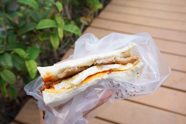 """【台北萬華早午餐】麥町吐司工房(長沙店)  *♥西門町""""烤肉吐司""""傳統早餐"""