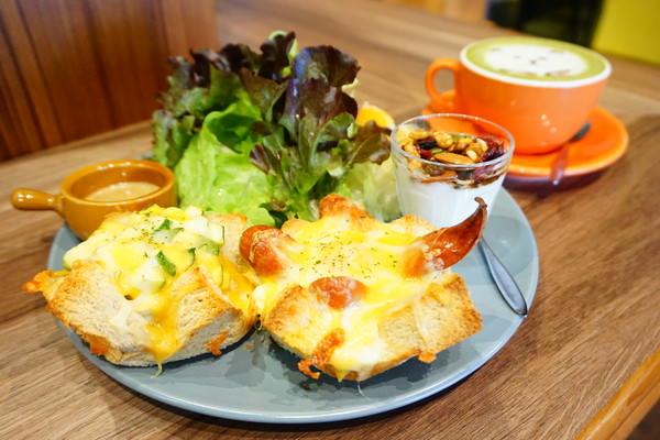 """【高雄左營早午餐】ANGOLI Brunch  *♥新鮮胡麻沙拉""""美味早午餐"""