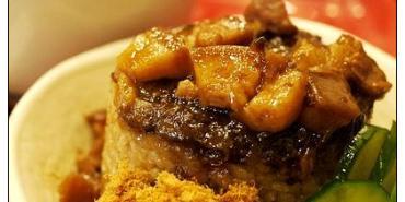 【高雄踢踏食記】美味感心南部價~甘醇好喝的排骨酥湯:銘記筒仔米糕