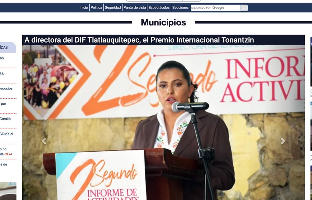 A directora del DIF Tlatlauquitepec, el Premio Internacional Tonantzin - Instituto Mejores Gobernantes