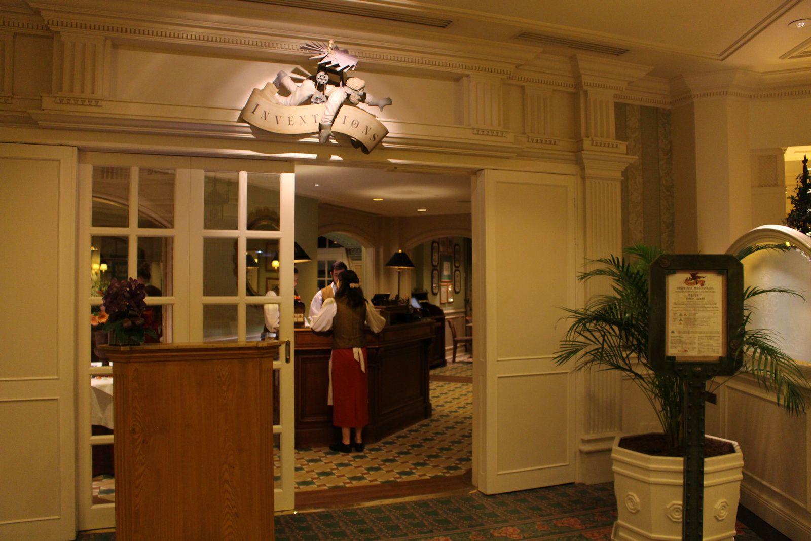Le restaurant Inventions au Disneyland Hotel  Disneyland