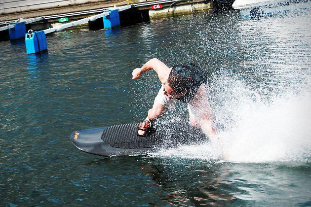Radinn : le wakeboard électrique [glisse électrique]