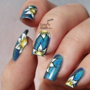 floral nail art with tutorial
