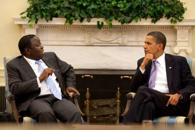 Le président Barack Obama rencontre le premier ministre Morgan Tsvangirai au bureau ovale, 12 juin 2009 (photo de la Maison Blanche)