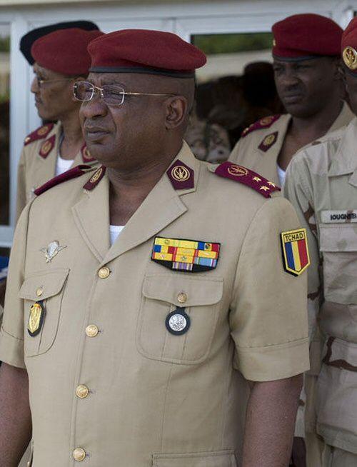 Tchad : grogne dans les casernes de l'armée face à la volonté d'Idriss Deby  de réduire les salaires des Généraux - Makaila, plume combattante et  indépendante