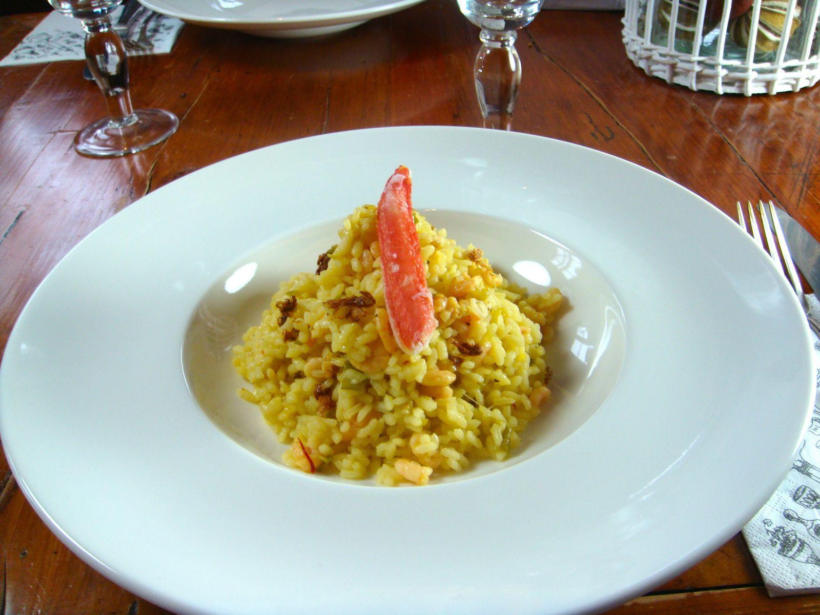 Arroz Mediterráneo aux crevettes, safran et aux pinces de crabe des neiges