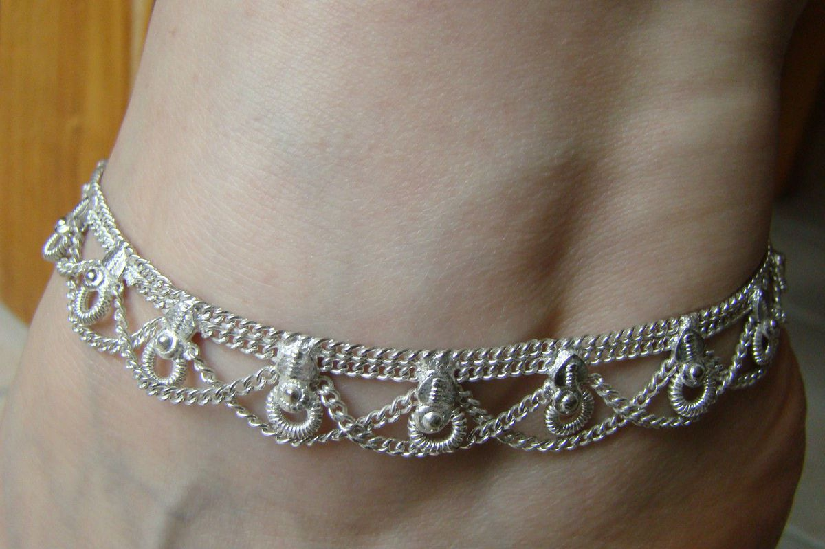 Bracelet de cheville signification galerie tatouage - Signification bracelet cheville ...