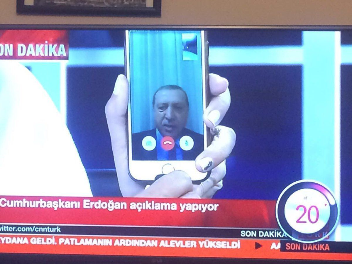 Erdogan s'exprime via Face Time.