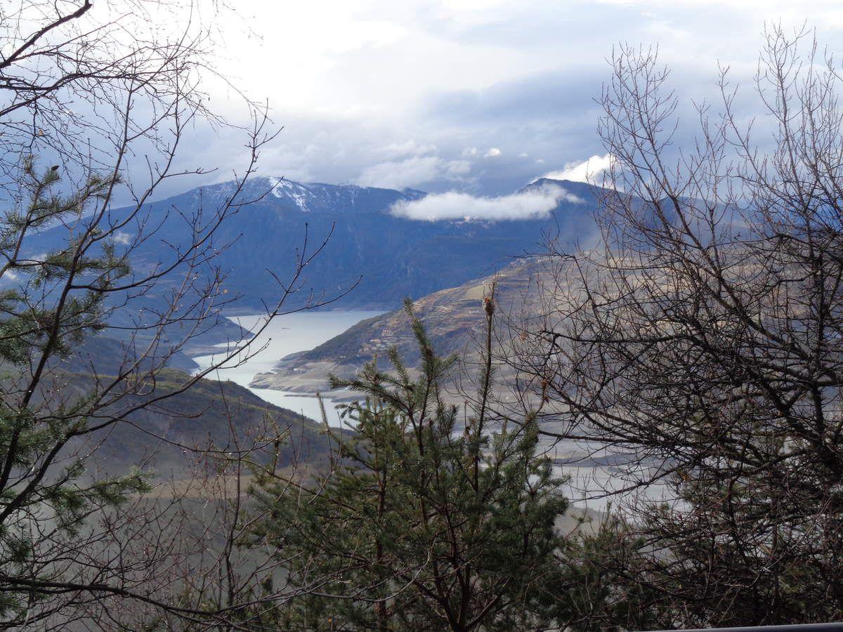Barrage De Serre Ponon Vu De La Route De Barcelonnette