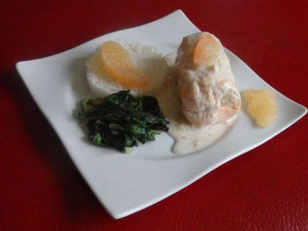 Paupiettes de poisson, sauce coco et pamplemousse