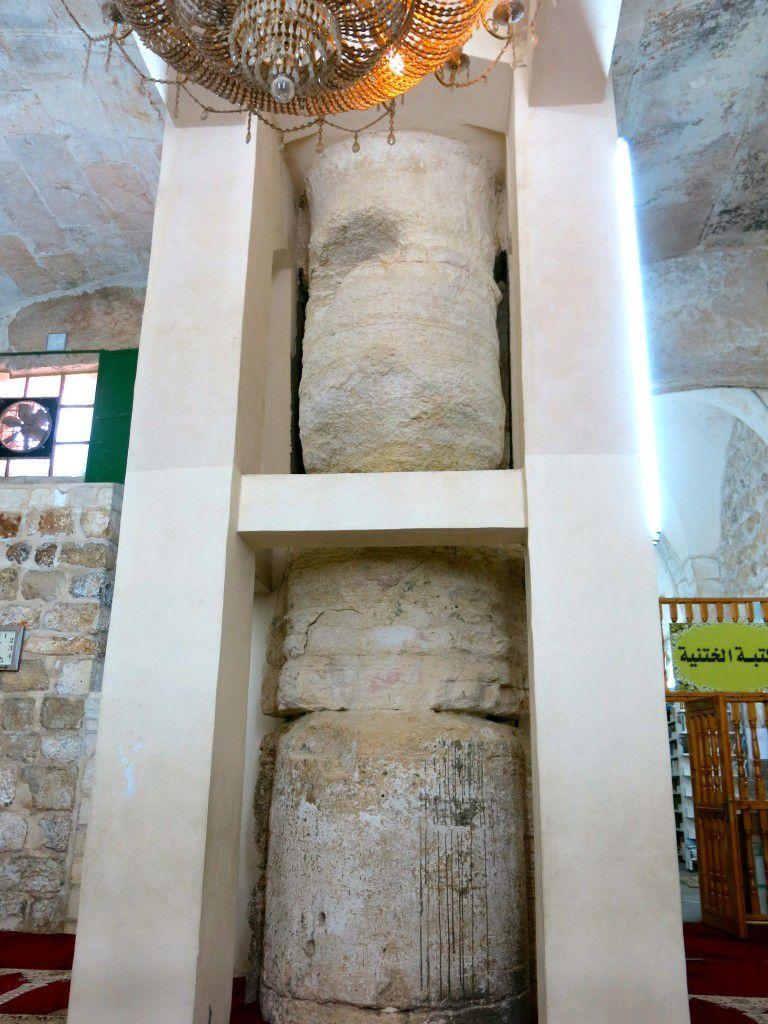 Les colonnes antiques qu'on peut voir très distinctement. (photo: Qanta Ahmed)