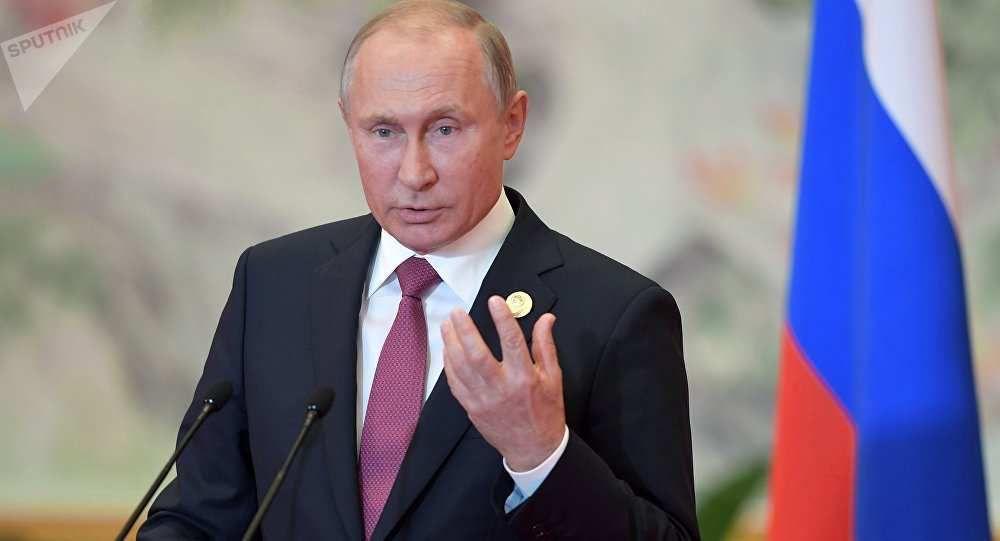 Poutine appelle le G7 à «arrêter les bavardages»
