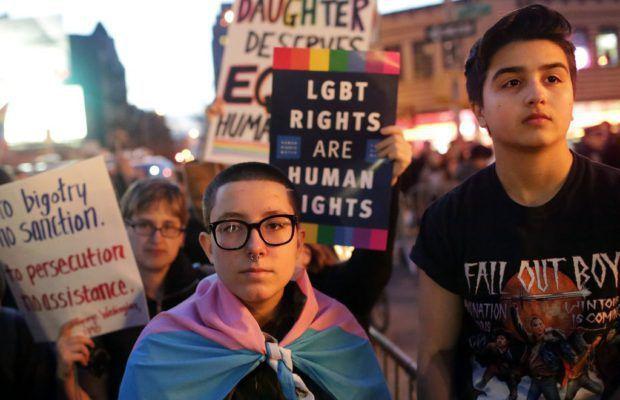 D'après le New York Times, Trump envisagerait d'abolir le genre « transgenre »