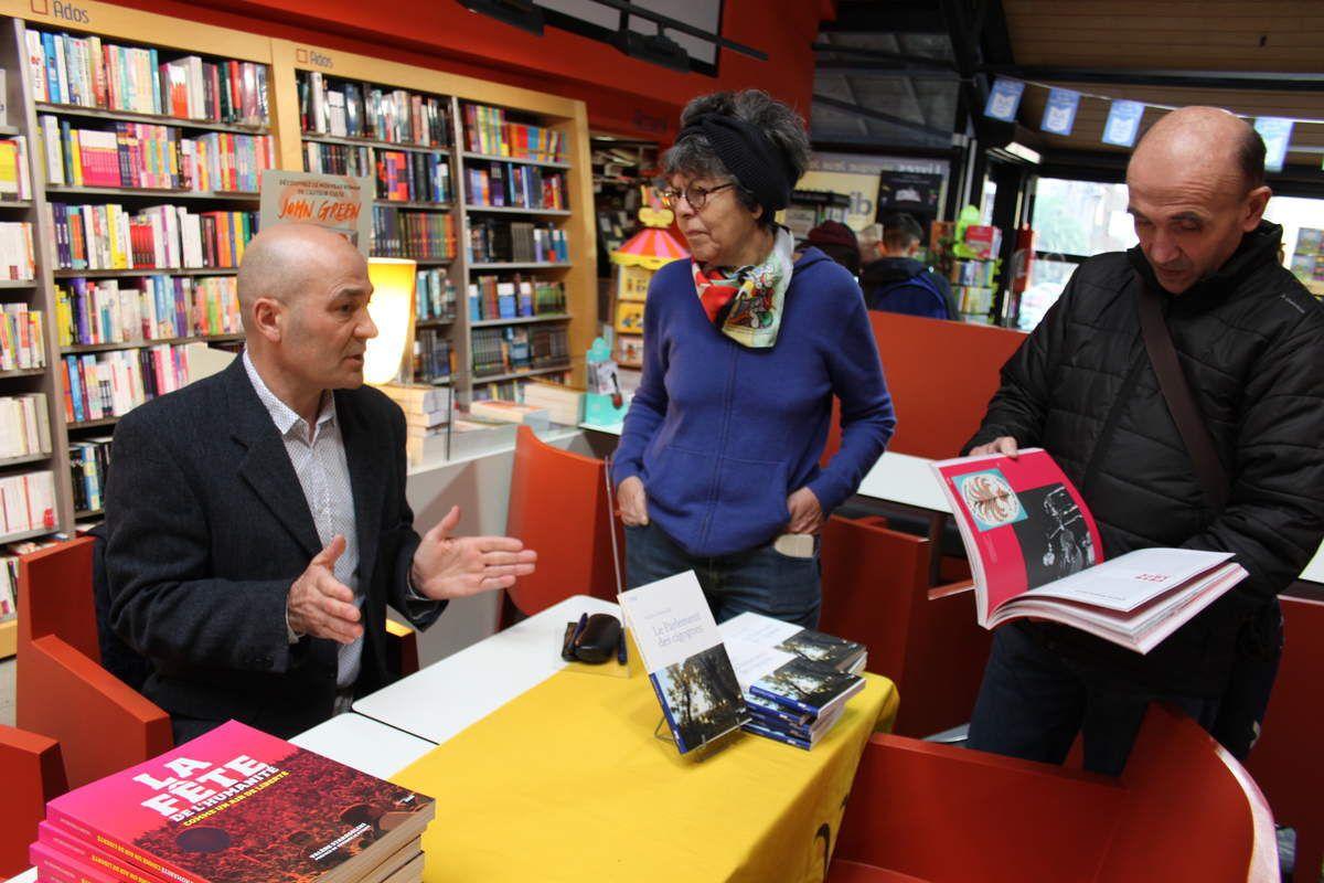 l'écrivain Valère Staraselki à la librairie Dialogues de Morlaix