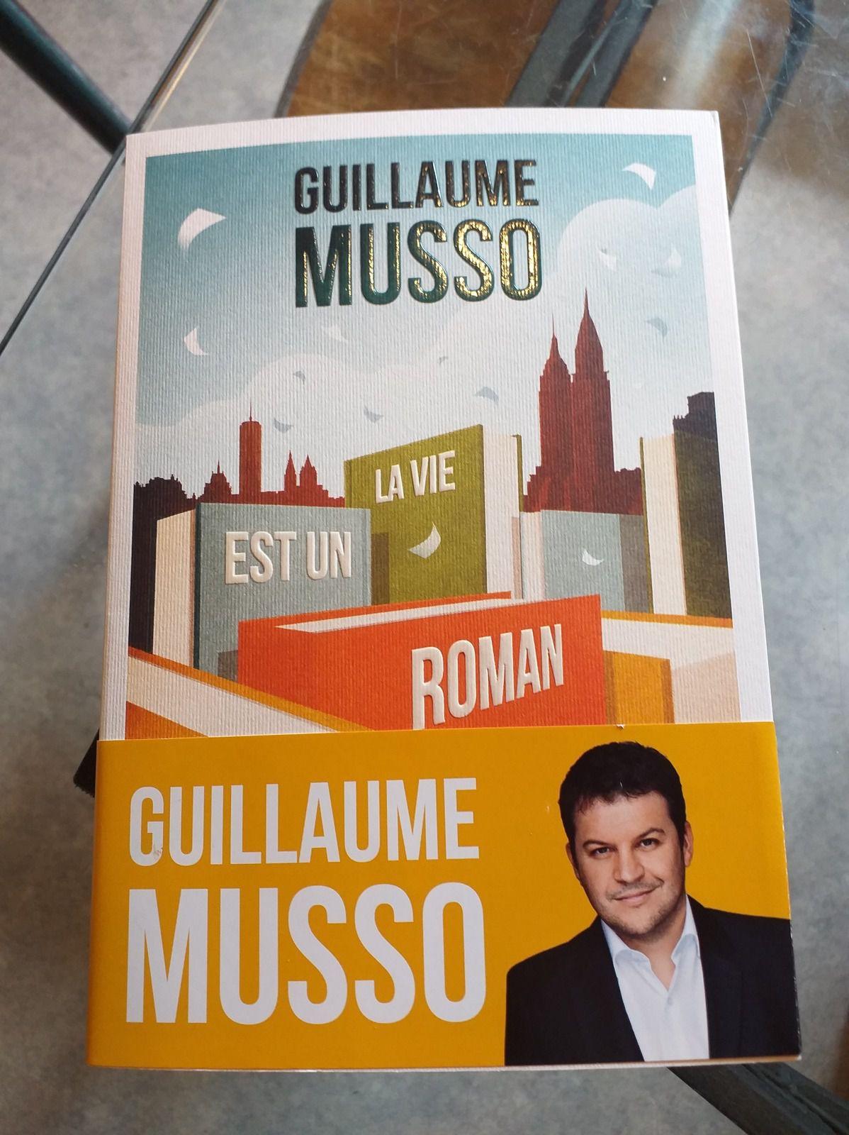 La Vie Est Un Roman : roman, Roman, Guillaume, Musso, Marie-Nel