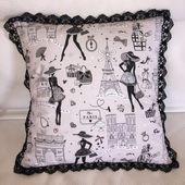 """Coussin dentelle """"Petite robe noire"""" - Viny DIY, le blog de tutoriels couture et DIY."""
