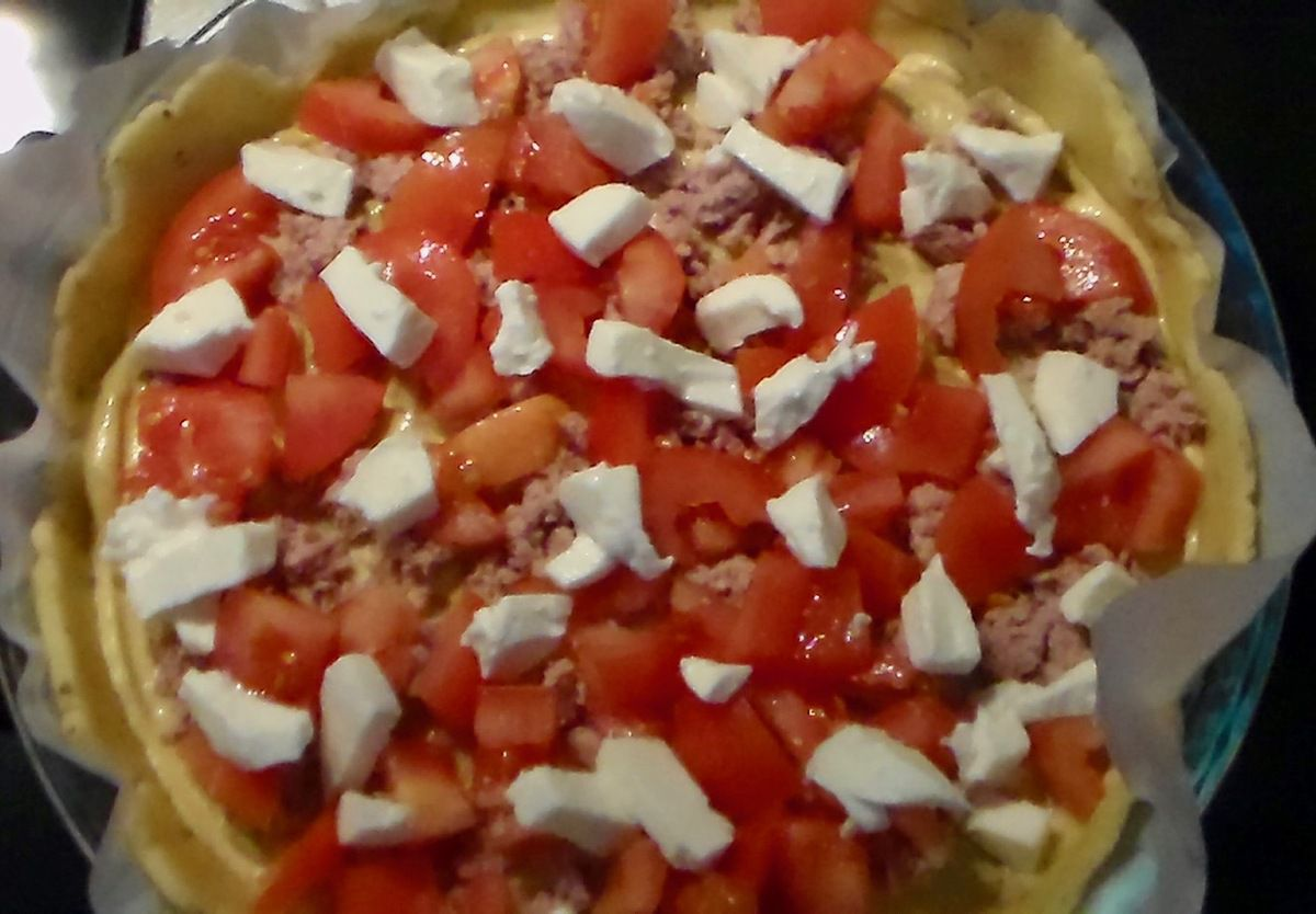 Quiche au thon, tomates et mozza