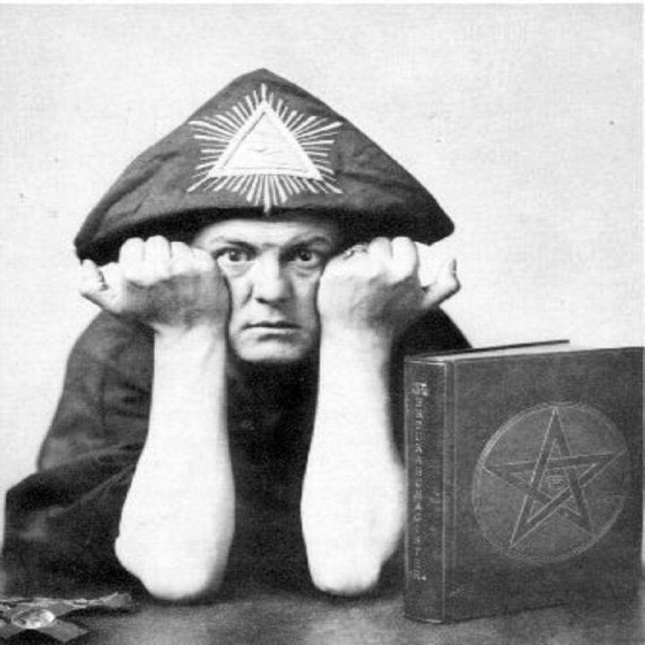 Edward Alexander Crowley, dit Aleister Crowley.