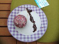 "1: moi et mon amie ""cupcake du jardin"" / 2: mes amies ""cupcake 3 choco"" / 3: ma meilleure amie et ma cousine ""cupcake fraises/framboises""!!"