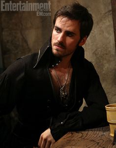 ustv_once_upon_a_time_colin_o_donoghue_captain_hook_1.jpg