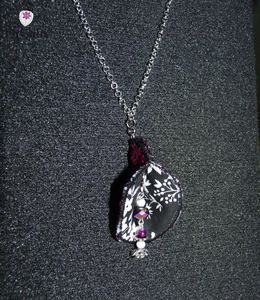 collier clochette violet