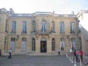 Varenne_rue_de_57_Hotel_de_Matignon_02_max.jpg