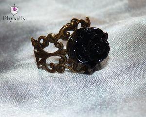 bague fleur noire