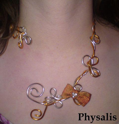 collier noeud orange