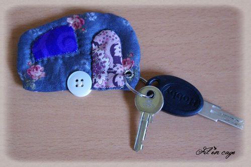 porte clés caravane devant