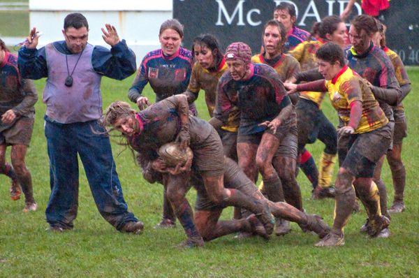 """Résultat de recherche d'images pour """"rugby feminin boue"""""""