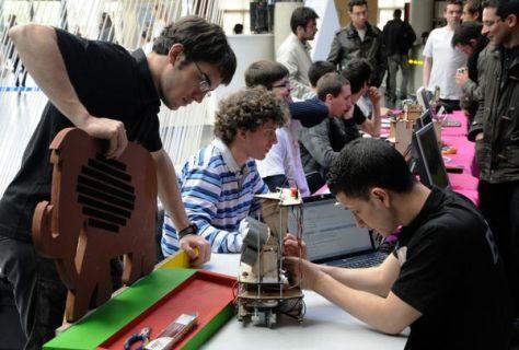 Trophées de robotique 2014 - équipe ENAC - Planète Scien
