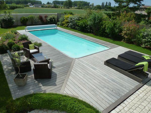 Terrasse en bois autour dune piscine  tours 37  France terrasse bois
