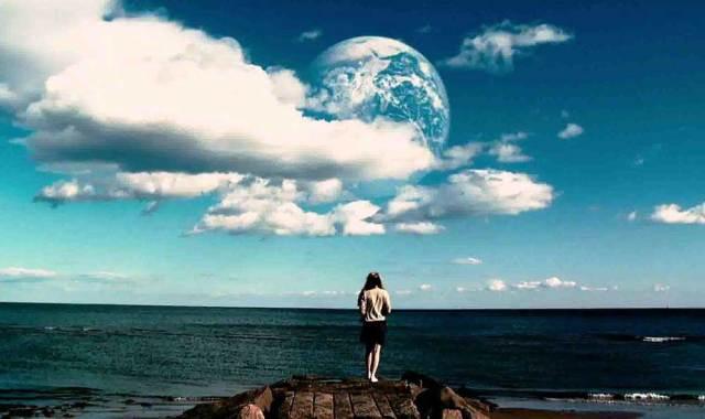 Başka Bir Dünya (Another Earth)