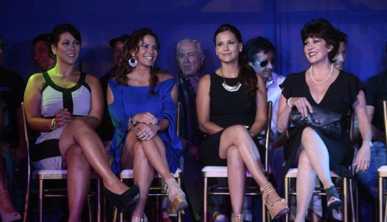 Karina Calmet confundi a Palito Ortega director de La