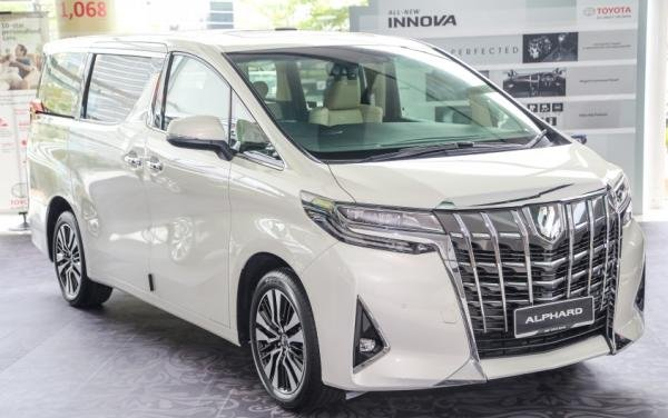 all new alphard vs vellfire grand veloz 1.3 2016 previewing the refreshed 2018 toyota in malaysia facelift is now shown publicly at umw showrooms