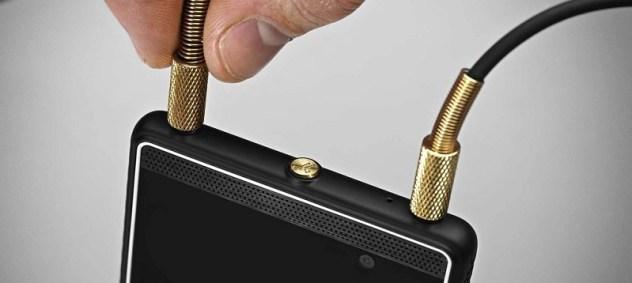Marshal London smartphone double-jack