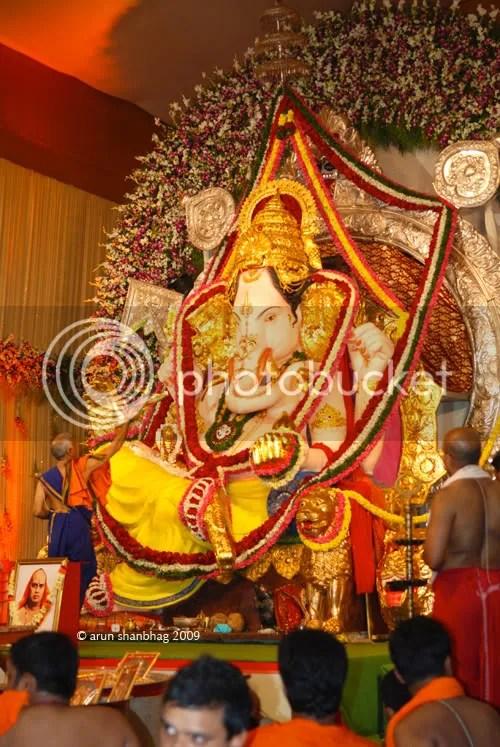 Ganesh Chaturthi, Ganapati, Ganapati Aarti, GSB Seva Mandal, King Circle by Arun Shanbhag