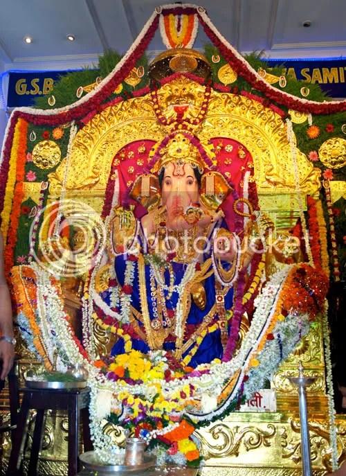 Ganesh Chaturthi, Ganapati puja, Aarti, Ganapati Aarti, GSB Sarvajanik Ganapati, Wadala by Arun Shanbhag