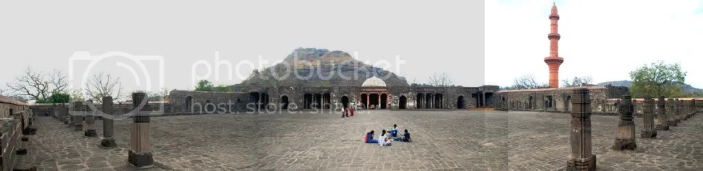 Bharat Mata Temple at Daulatabad Fort, India pics by Arun Shanbhag